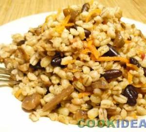 Перловка с фасолью и грибами