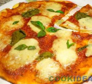 Пицца Маргарита из дрожжевого теста