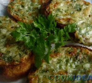 Сырные бутерброды с чесноком