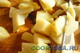 Картофель моем тщательно, с щёточкой ...